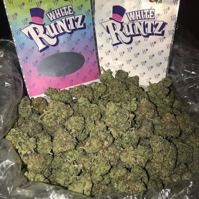 WE GOT HIGH GRADE SATIVA AND INDICA SRAINS. WE GOT STRAINS SUCH AS THE OG, SOUR D, BLUEBERRY, GSC, A